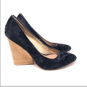 Matt Bernson black pony hair pumps 6.5 C1